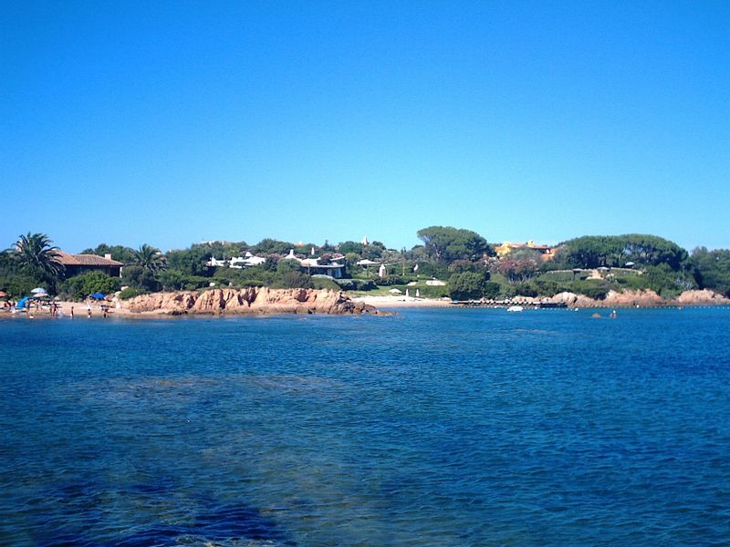 Meglio_la_Sicilia_o_la_Sardegna__Come_scegliere_la_miglior_destinazione_per_le_proprie_vacanze_al_mare_800x600